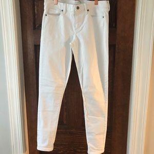 White stretch Banana Republic jeans 👖